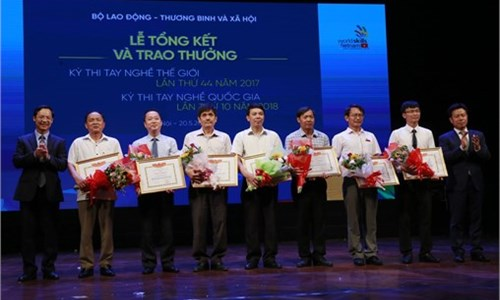Hanoi University of Industry wins 15 prizes at the 10 th National Skills Competition 2018