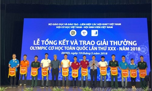 Hanoi University of Industry wins a team prize and 24 individual prizes at 30th National Mechanics Olympiad 2018