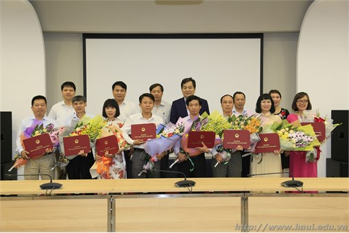 Trao Quyết định bổ nhiệm chức danh Phó Giáo sư năm 2018 cho 8 nhà giáo