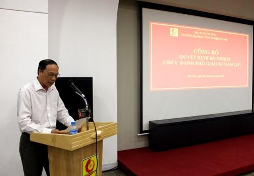 Trao Quyết định bổ nhiệm chức danh Phó Giáo sư năm 2017