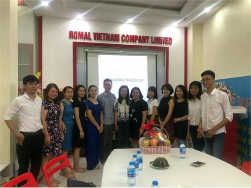 Giảng viên bộ môn Quản trị Marketing trải nghiệm thực tế về hoạt động Marketing trong doanh nghiệp