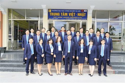 Trung tâm Việt - Nhật