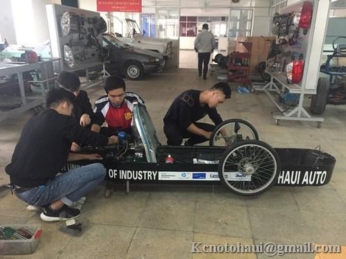 """Gấp rút hoàn thiện Supercup 50 trước khi lên đường sang Nhật Bản thi đấu """"Cuộc thi lái xe tiết kiệm nhiên liệu Eco marathong 2018"""""""