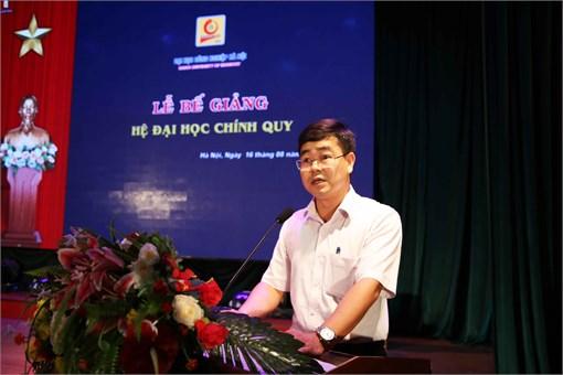 Sinh viên K9 Đại học Công nghiệp Hà Nội rộn ràng trong mùa bế giảng