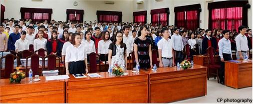 Trao bằng Tốt nghiệp cho 347 kỹ sư Điện tử khóa 9 và trao học bổng Quốc tế Nitori 2018 cho sinh viên xuất sắc.