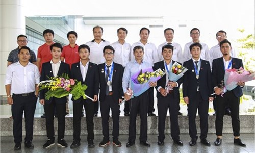 Hanoi University of Industry wins a Silver medal, a Bronze medal and two Certificates of Excellence at the 12th ASEAN Skills Competition 2018.