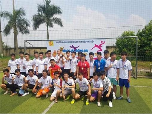 Giải bóng đá giao hữu giữa các thế hệ CB-GV-HSSV khoa điện 2018