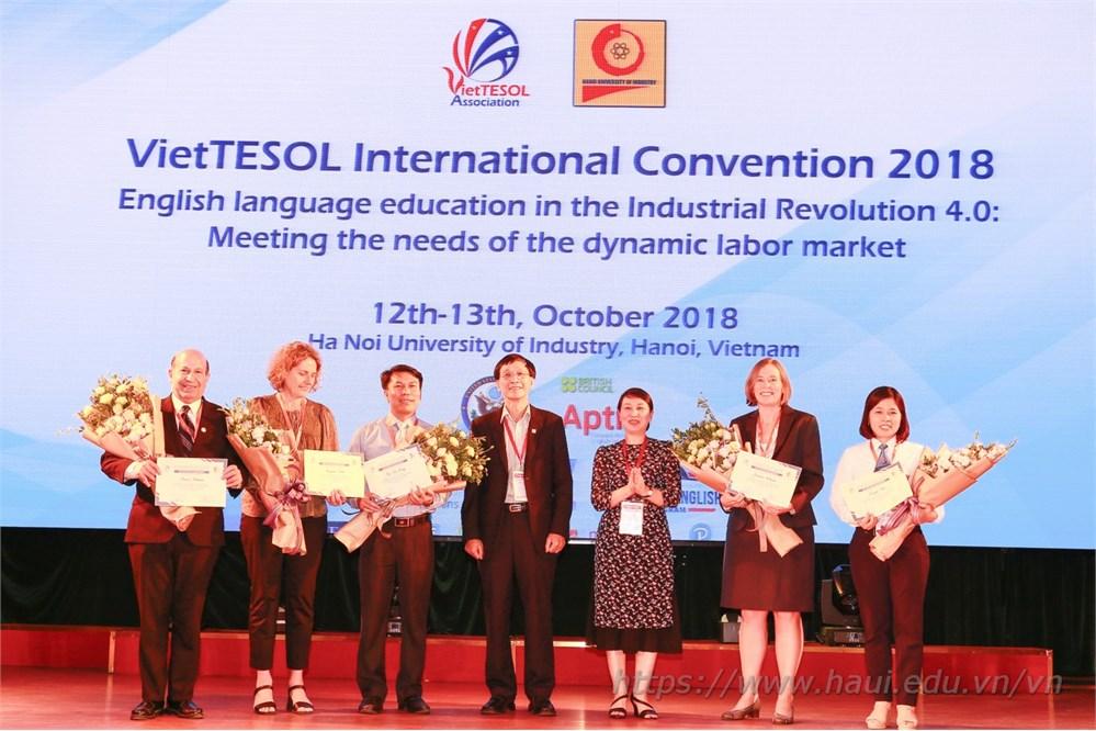 Hội thảo Quốc tế VietTESOL 2018: Đào tạo tiếng Anh đáp ứng nhu cầu thị trường lao động trong cuộc cách mạng công nghiệp lần thứ 4