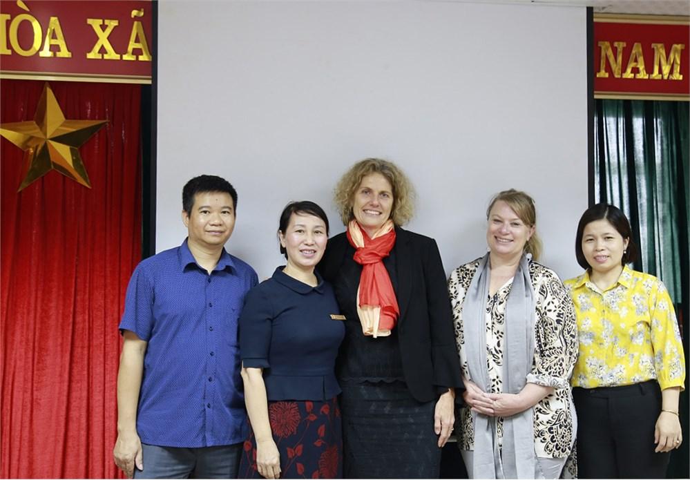 Đại học Công nghiệp Hà Nội làm việc với Đại học Công nghệ Queensland (Australia)