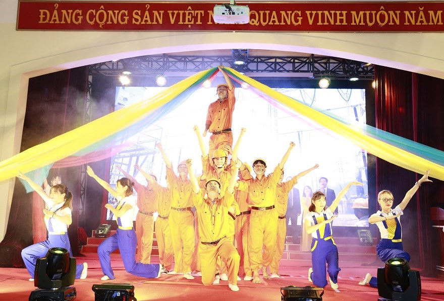 Hội diễn nghệ thuật quần chúng Đại học Công nghiệp Hà Nội 2018