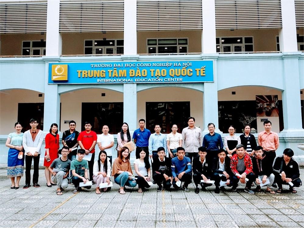 Đại học Công nghiệp Hà Nội làm việc với đoàn cán bộ Trường Cao đẳng nghề kỹ thuật Hữu nghị Viêng Chăn Hà Nội
