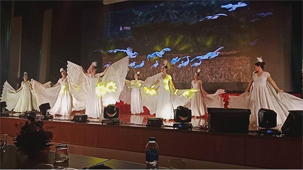 Tưng bừng chung kết 2 hội diễn nghệ thuật quần chúng HAUI 2018.