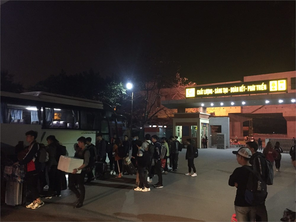 Chuyến xe sum vầy đưa 300 sinh viên về quê đón Tết Nguyên đán Kỷ Hợi 2019