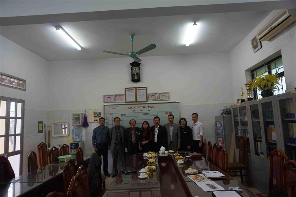 Trao đổi hợp tác giữa Khoa Công nghệ hóa - Trường Đại học Công nghiệp Hà Nội với Khoa Công nghệ hóa học - Trường Đại học Tổng hợp Pardubice (Cộng hòa Sec)