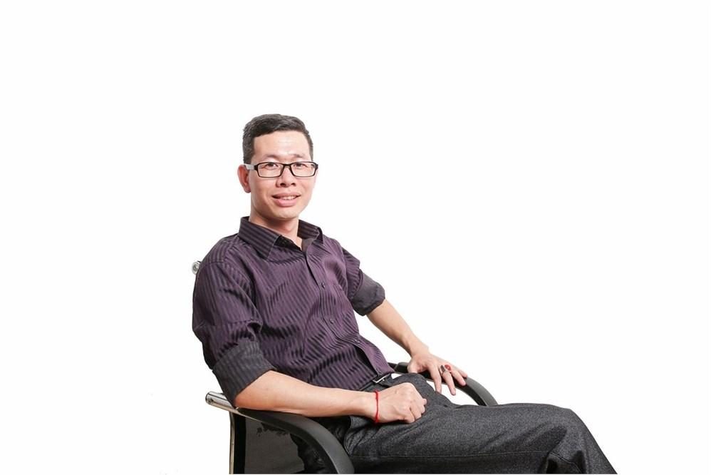 Nguyễn Huy Du - Tác giả sáng chế Đèn học thông minh The smart light