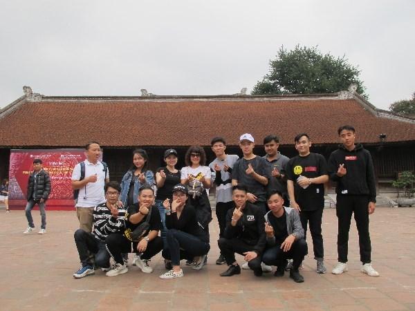 Trung tâm Hợp tác Quốc tế tổ chức chuyến dã ngoại cho các lưu học sinh Lào học tiếng Việt