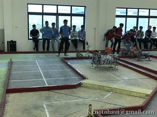 Đội tuyển Khoa Công nghệ ô tô tham gia thi đấu cấp trường Robocon 2019 Đại học Công nghiệp Hà Nội