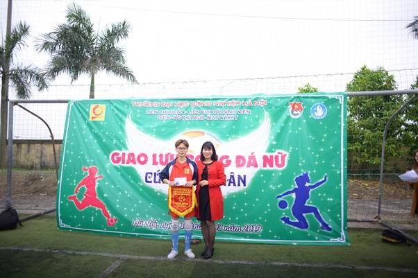 Giải giao lưu bóng đá nữ khoa Điện-khoa Ngoại Ngữ-khoa CN May & TKTT (Cup Mùa Xuân 2019)