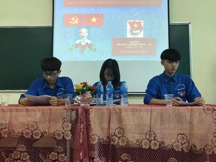 Đại hội chi đoàn các lớp Đại học khóa 13 - Khoa Điện tử