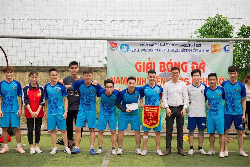 Chung kết và trao giải Bóng đá nam sinh viên khoa Công nghệ hóa 2019