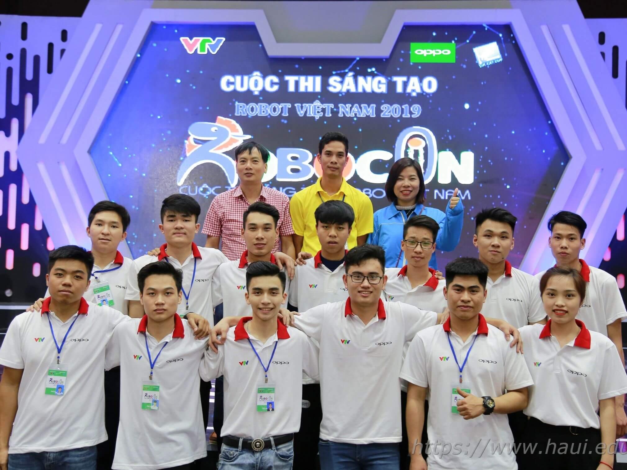 05 đội tuyển Robocon ĐHCNHN toàn thắng tại cuộc thi sáng tạo Robot Việt Nam năm 2019 - khu vực phía Bắc