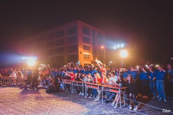 Khoa điện tổ chức thành công chương trình `Sắc màu khoa điện & Ngọn lửa sinh viên 2019`