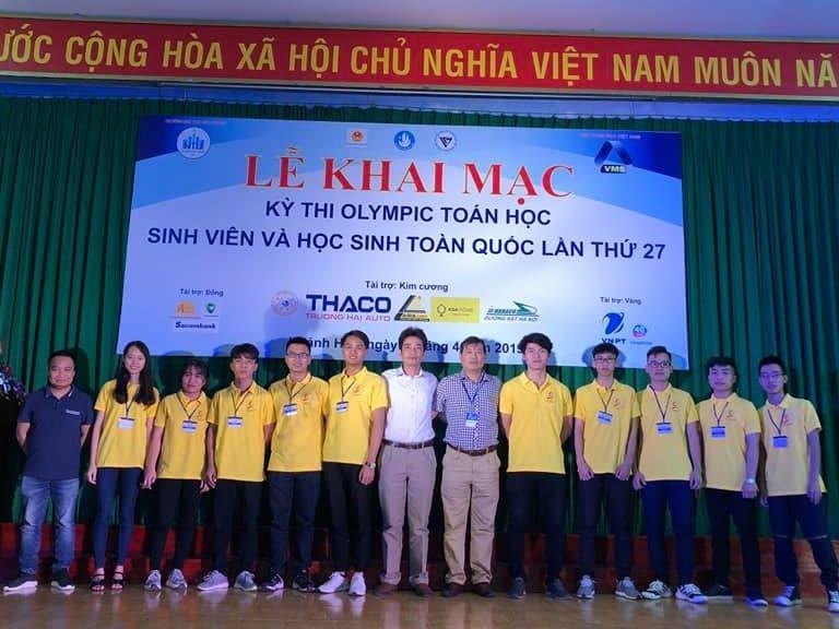 Sinh viên Đại học Công nghiệp Hà Nội tham dự lễ khai mạc kỳ thi Olympic Toán học sinh viên, học sinh toàn quốc lần thứ 27