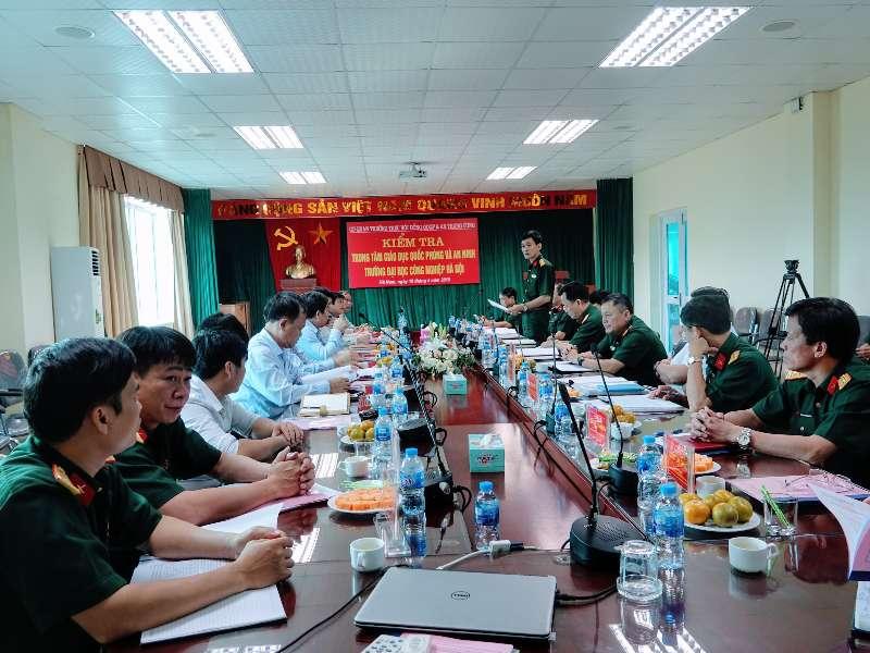 Trung tâm Giáo dục quốc phòng và an ninh Trường Đại học Công nghiệp Hà Nội hoàn thành xuất sắc trong thực hiện nhiệm vụ giáo dục quốc phòng, an ninh cho học sinh, sinh viên
