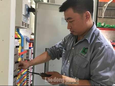 Dương Hải Ninh: Chàng kỹ sư điện yêu nghề và dám dấn thân