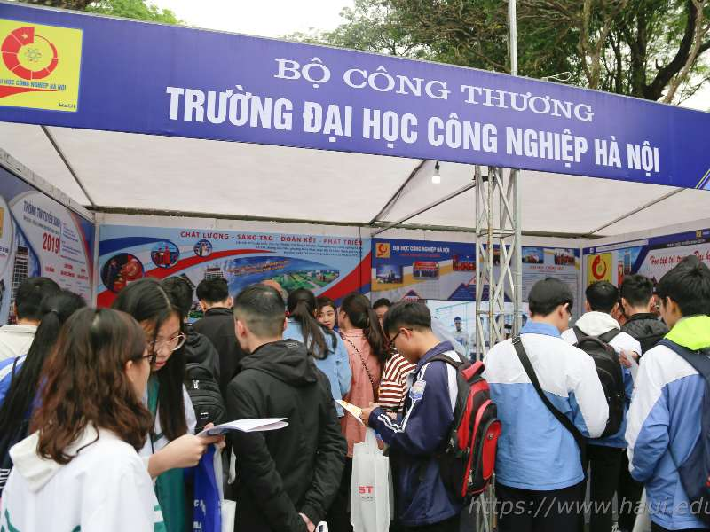 103.119 nguyện vọng đăng ký xét tuyển vào Đại học Công nghiệp Hà Nội năm 2019