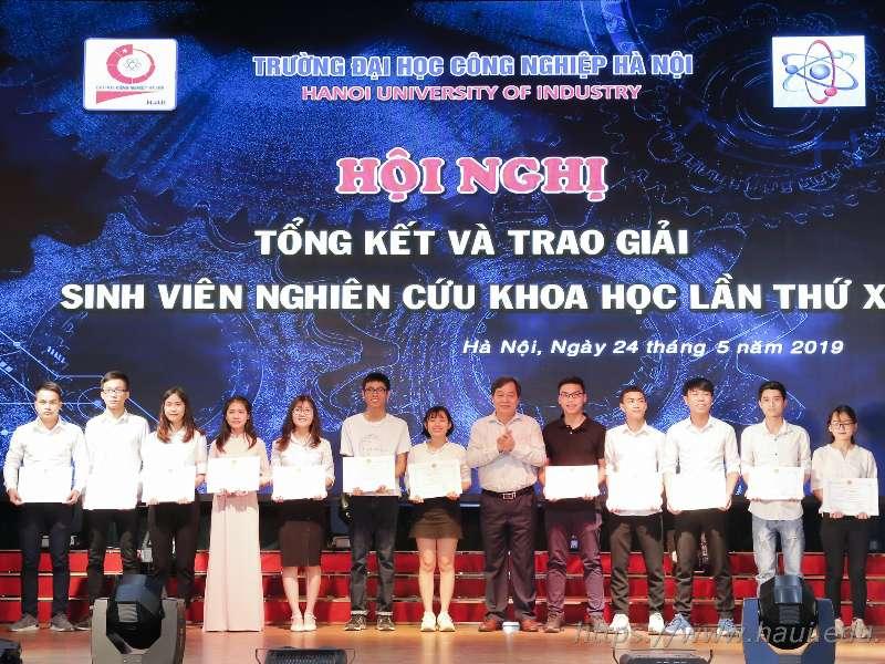 Hội nghị tổng kết và trao giải sinh viên nghiên cứu khoa học lần thứ X