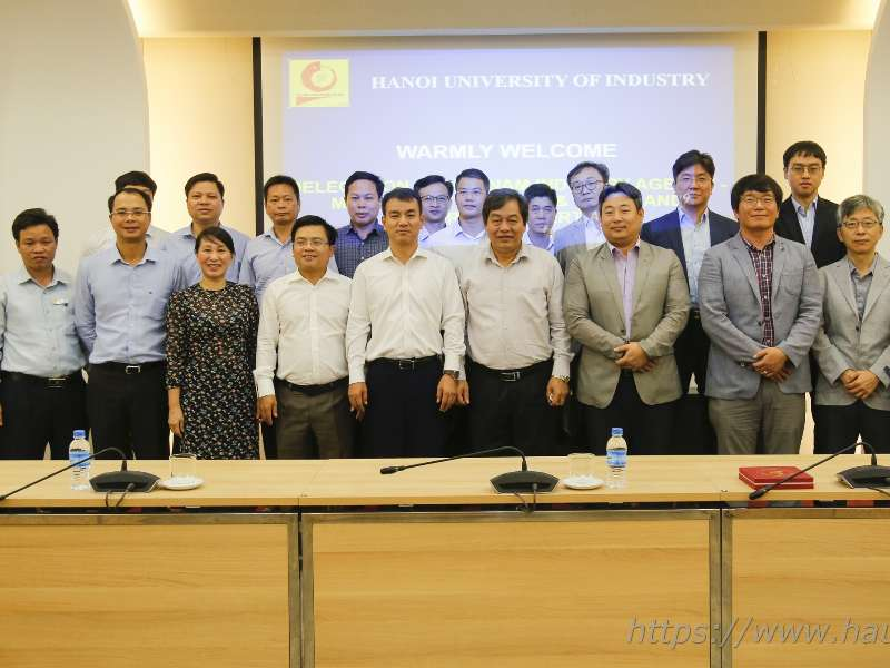 Hanoi University of Industry meets with Vietnam Industry Agency and Korea Institute for Advancement of Technology to discuss on establishing VITASK Center