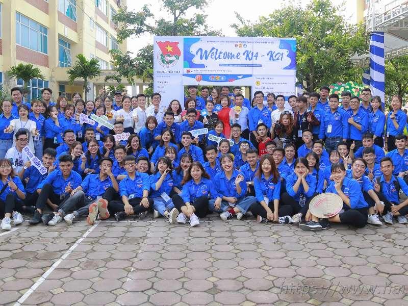 Tưng bừng ngày hội chào đón tân sinh viên Đại học Công nghiệp Hà Nội