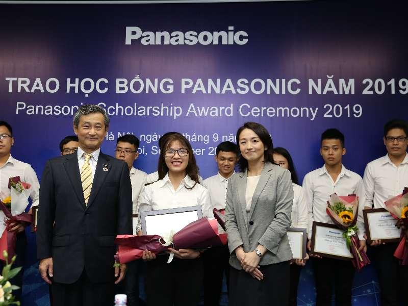 Nữ Sinh viên Đại học Công nghiệp Hà Nội là một trong 15 sinh viên cả nước nhận học bổng Panasonic 2019