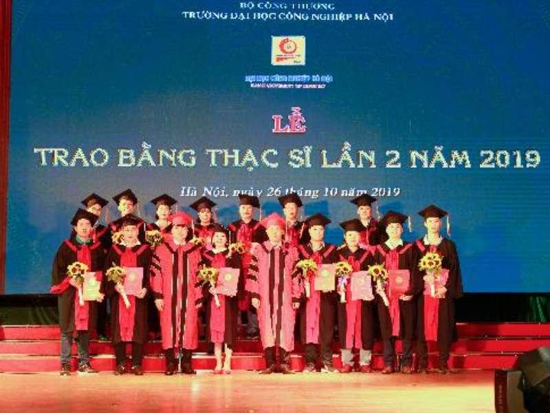 127 tân Thạc sĩ nhận bằng tốt nghiệp đợt 2 năm 2019