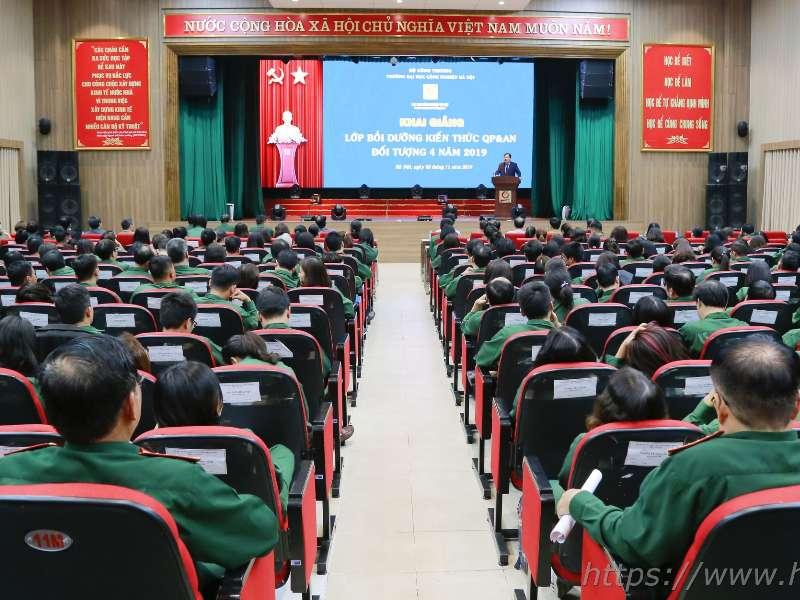 Trường Đại học Công nghiệp Hà Nội khai giảng Lớp bồi dưỡng kiến thức Quốc phòng và An ninh cho đối tượng 4