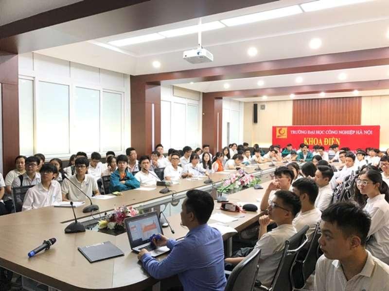 Học tập và trải nghiệm liên môn thú vị tại Trường Đại học Công nghiệp Hà Nội