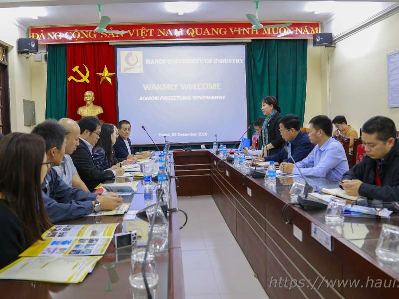 Hanoi University of Industry welcomes a delegation from Aomori prefectural government, Japan