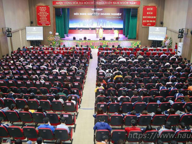 Hanoi University of Industry hosts a conference to meet more than 100 enterprises