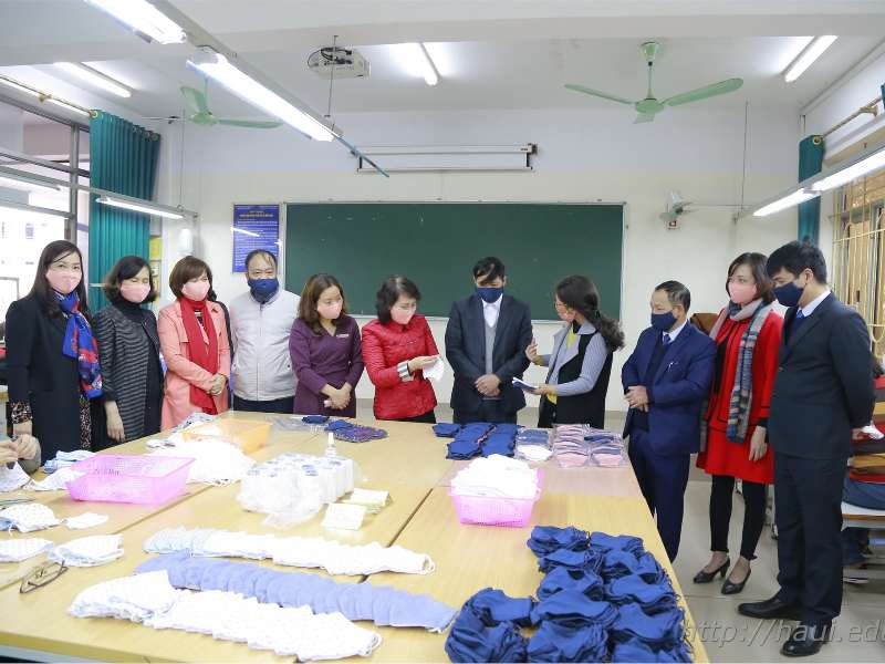 30,000 masks will be produced and distributed free of charge to HaUI staffs and students