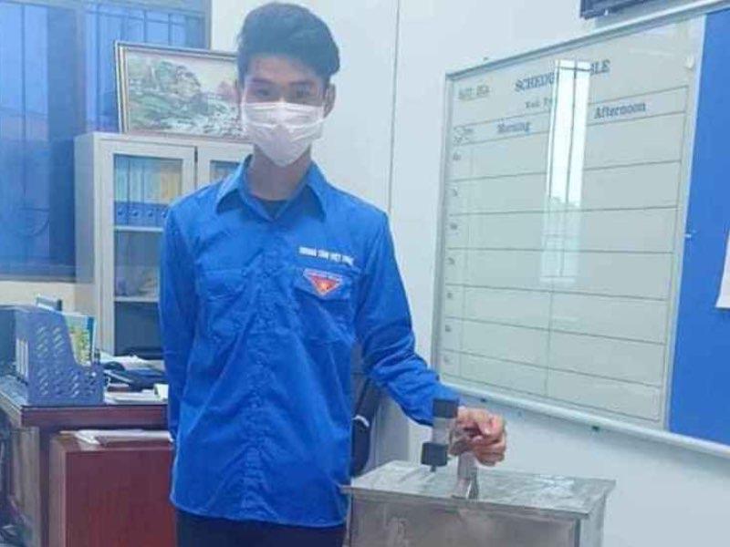 Sinh viên Công nghiệp chế tạo máy phun nước sát khuẩn tự động phòng dịch Covid-19