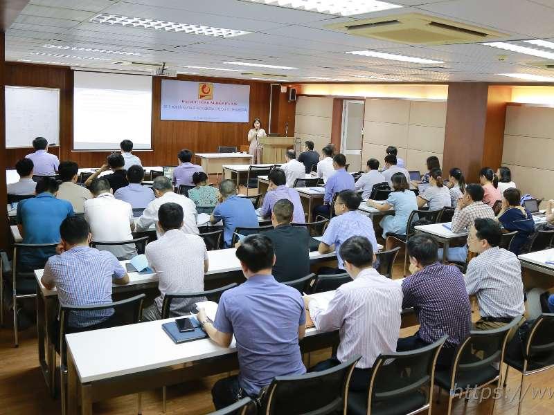 Tập huấn xây dựng bộ tài liệu hướng dẫn đánh giá kết quả học tập học phần
