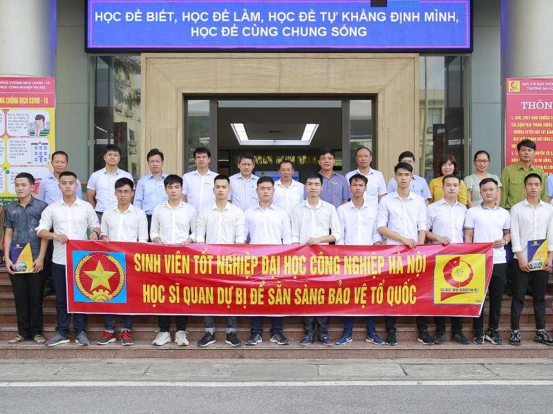 Đại học Công nghiệp Hà Nội tổ chức trao quyết định đào tạo Sỹ quan dự bị năm 2020