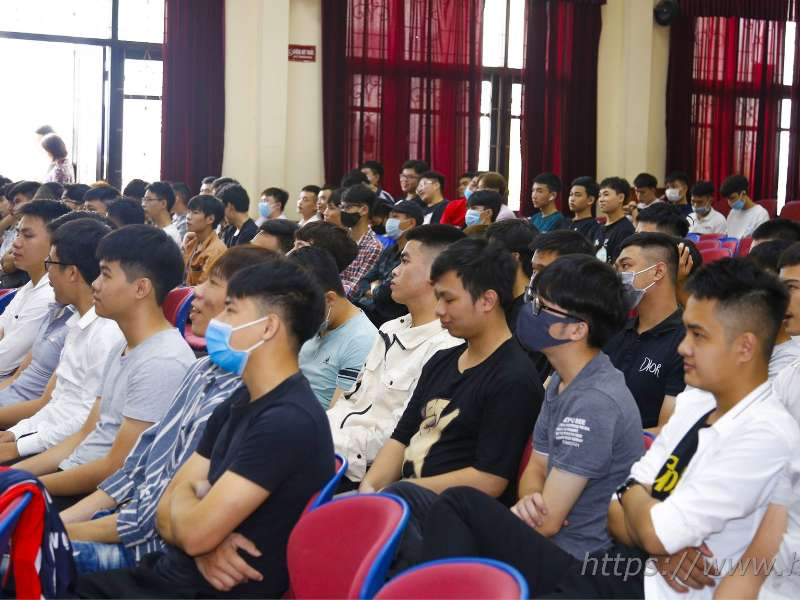 Nearly 300 college students intern at Samsung Electro-Mechanics Vietnam and M1 company