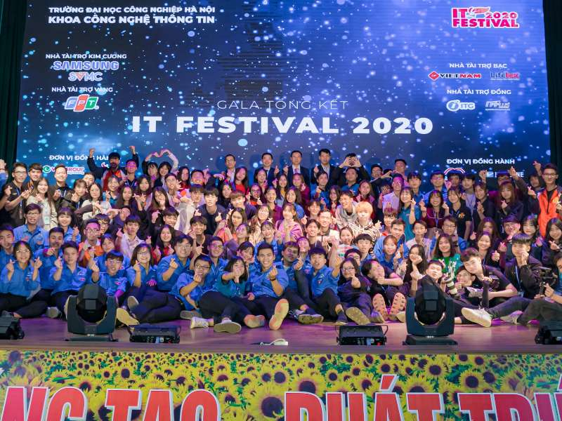 IT Festival 2020 to celebrate Vietnamese Teachers' Day