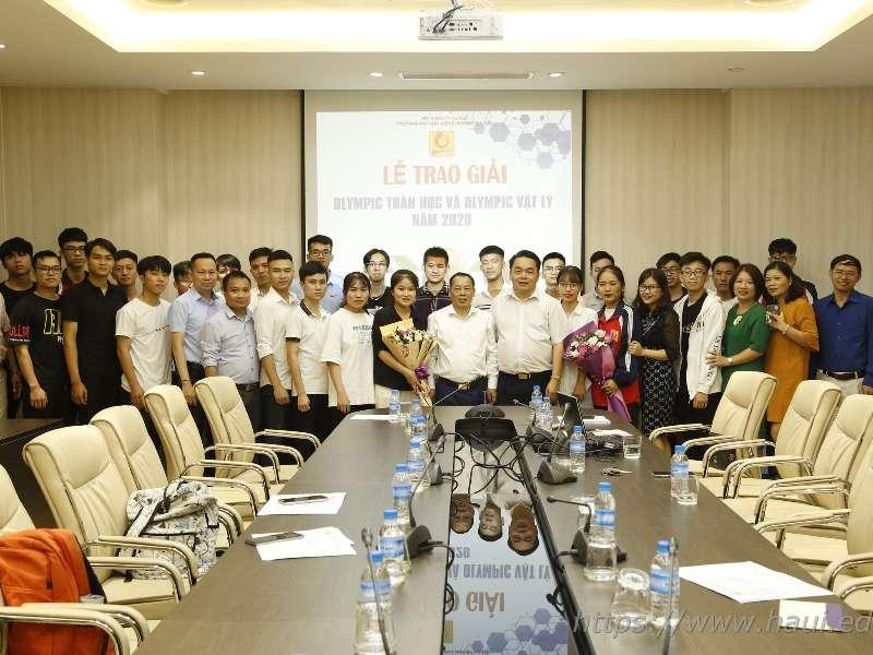 44 sinh viên đạt giải Olympic Toán học và Vật lý cấp trường năm 2020