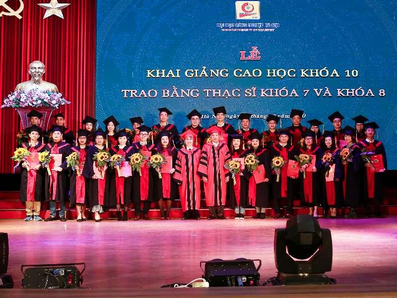 Lễ khai giảng và trao bằng tốt nghiệp Thạc sĩ