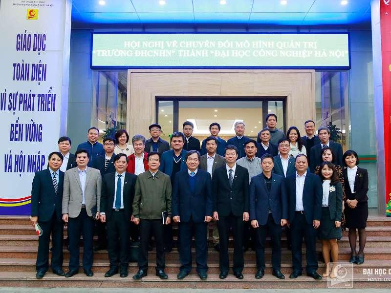 Tiếp đoàn trường Đại học Xây dựng đến thăm và làm việc