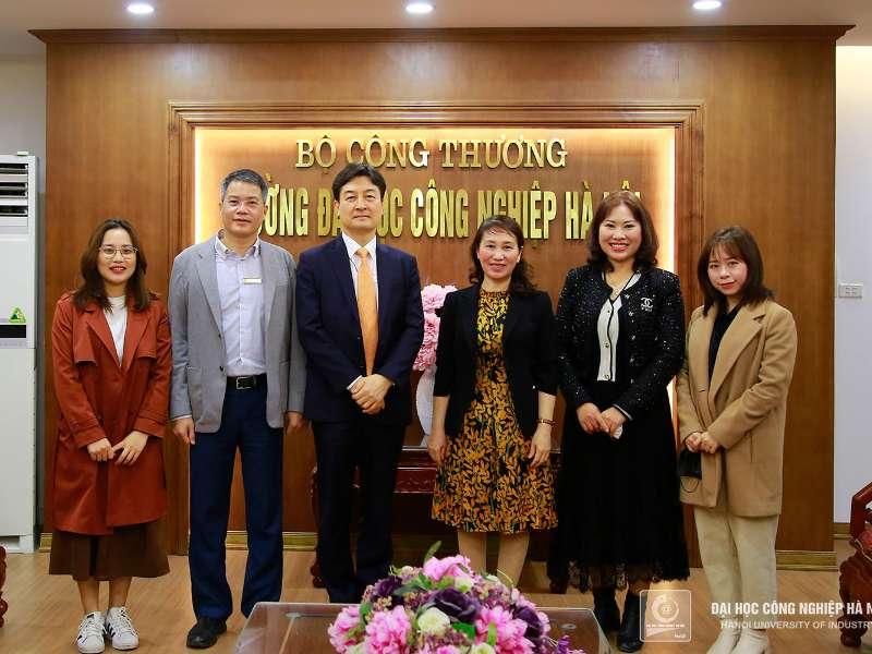 Quỹ giao lưu quốc tế Hàn Quốc (KF) thăm và làm việc với Đại học Công nghiệp Hà Nội