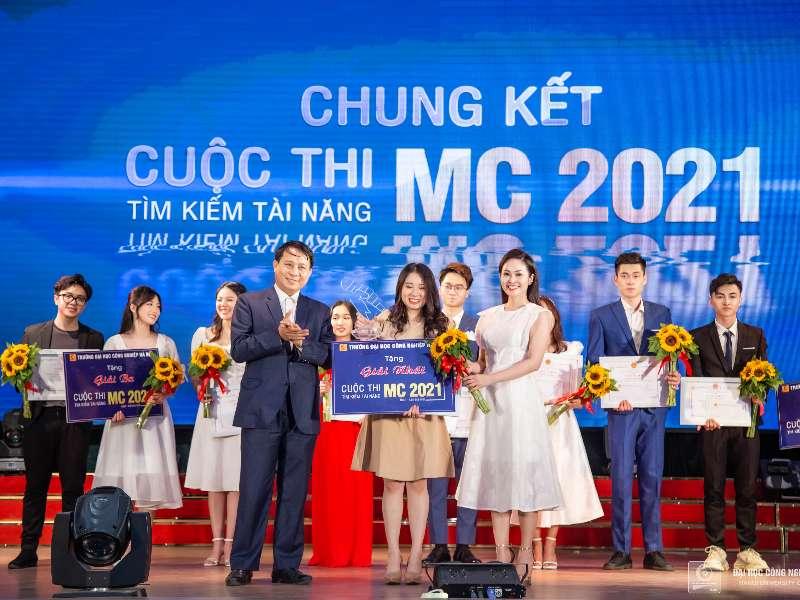 """Chung kết cuộc thi """"Tìm kiếm tài năng MC - HaUI 2021"""""""